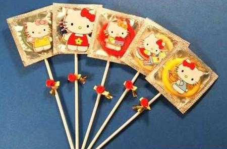 Hello-kitty-condoms